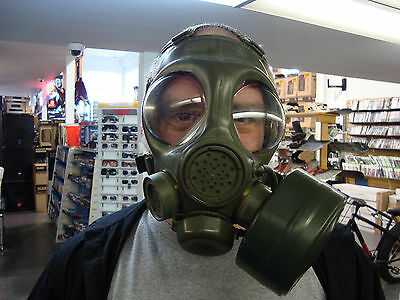 Canadian C4 DREO Gas Mask, Carrier Bag & C7 Filter Size X-SMALL/SMALL VERY RARE