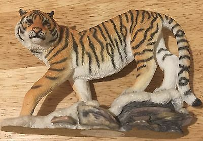 Country Artists Siberian Tiger Joining Piece CA04875