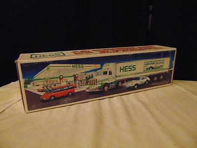 "New in box 1992 Hess 18 Wheeler & racer 15"" long green & white headlights"