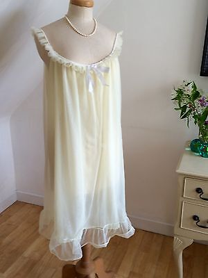 """VINTAGE 60s NIGHTGOWN BABYDOLL LEMON LACE CURVY 48"""" BUST PINUP YUMMY FROTHY FAB!"""