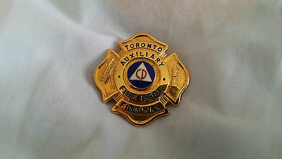 Canada ON Toronto Auxiliary Incendie Fire Pompier Firefighter Badge Insigne