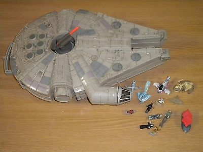 STAR WARS Micro Machines Action Fleet Millennium Falcon
