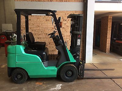 NATIONAL LIFTTRUCKS - Late Model Mitsubishi 1.5 Ton 4.3 Container Mast. New SS.