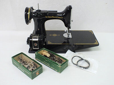 Singer Featherweight 221-1 Sewing Machine Hard Case Foot Pedal Accessories