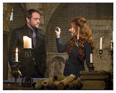 *SUPERNATURAL *(CROWLEY & ROWENA) Mark Sheppard & Ruth Connell 8x10 Glossy Print