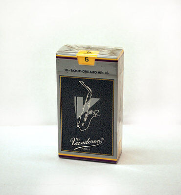 VANDOREN ALTO SAXOPHONE V12 REEDS boxes of 10 available in  5 - 4.5 & 4 strength