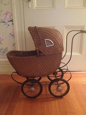 Antique 1920s Wicker Rattan Baby Stroller Doll Carriage Buggy
