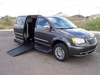 2015 Chrysler Town & Country  2015 Chrysler Town & Country Touring-L Wheelchair Handicap Mobility Van Like New
