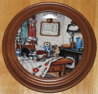 """Collectable  Cat Plate  Knowles """"curious Pair """""""