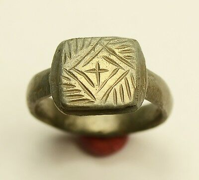 Superb Ancient Roman Bronze Ring With Decorated Cross In Bezel - Wearable