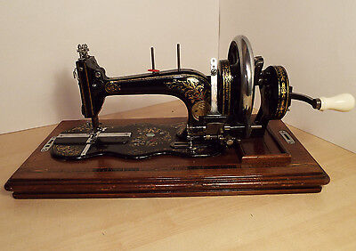 Rare Antique Atlas Fiddlebase Sewing Machine Transverse Shuttle with Accessories