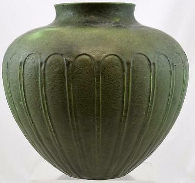 GRUEBY POTTERY MATTE GREEN BULBOUS ARTS and CRAFTS VASE