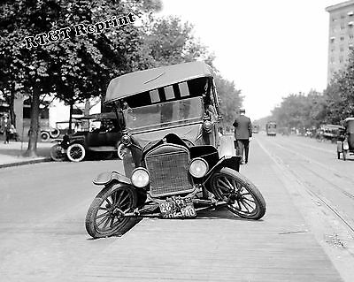 Photograph Vintage Ford Car Wreck /  Accident 1922  8x10