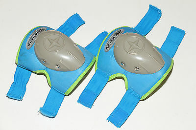 One pair Schwinn kids or boy knee or elbow pads, washed, see measurements