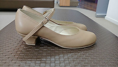 Salvio's Camel Sports Chorus Tap/Stage Shoes Women's UK size 4