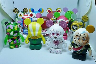 Disney Holiday Series #3 Vinylmation ( Set of 12 ) Complete with Chaser