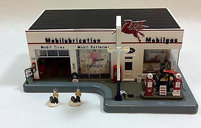 Vintage Danbury Mint- Lighted Mobil Service Station With Clock & Paperwork