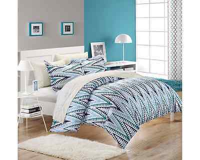 Chic Home Selina 3-Piece Duvet Cover Set, Queen, White/Blue