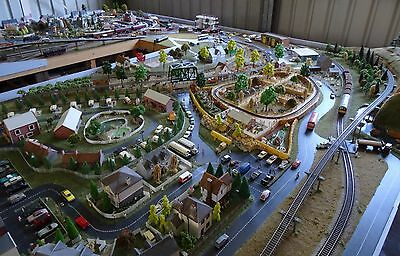 Huge Working Digital Model Railway layout including, Rolling Stock and Scenery.