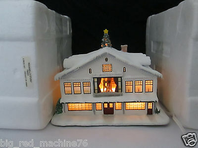 Hawthorne Village Norman Rockwell Christmas Village Studio Stockbridge Shop