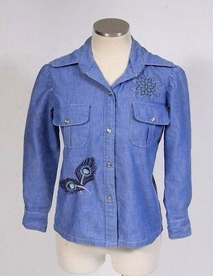 Vtg 70s Retro Blue Chambray Floral Hippie Embroidered Pearl Snap Shirt Top Sz XS