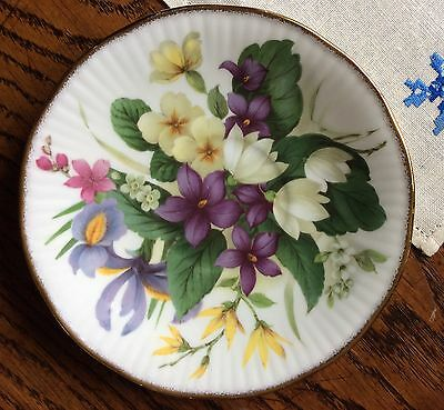 Queen's fine bone china England cabinet floral tea cup and saucer