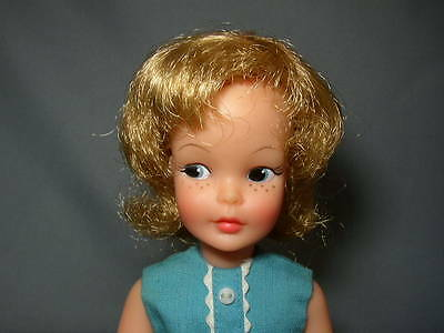 Vintage 1964 BLONDE PEPPER Tammy DOLL in Original Outfit