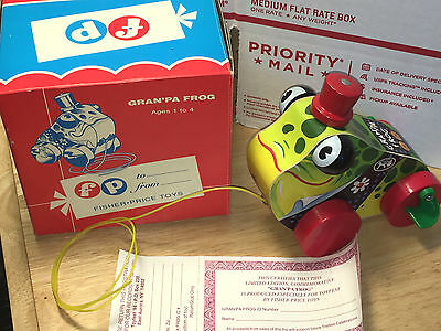Fisher Price ToyFest 1994 Gran'pa Frog Pull Toy Original Box Certificate #00575
