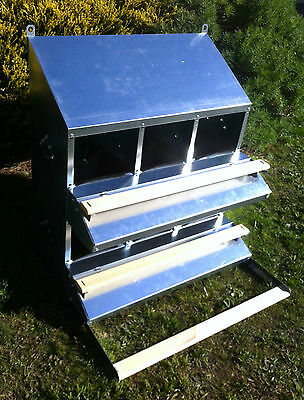 """FAMOUS 6-HOLE """"ROLL-AWAY"""" CHICKEN / HEN NEST BOX (FOR UP TO 30 CHOOKS / Poultry)"""