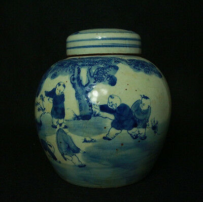 Chinese Blue and white porcelain pot landscape Hand Painted Canopic jars