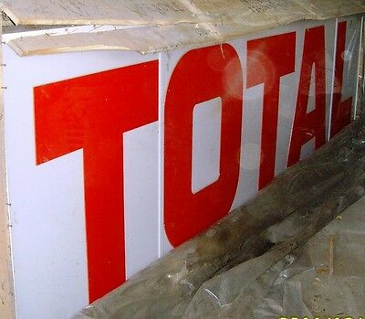 TOTAL enseigne lumineuse 4m50 x 1m50 TOTAL TOTAL TOTAL !!!!!!!!