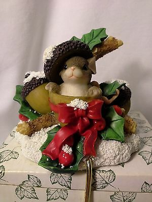 Charming Tails Holly Day Dreams Stocking Holder Item #93/504 - So Cute!