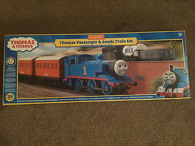 Hornby R9271 Thomas the Tank and friends passenger goods trainsets