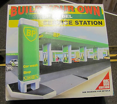 1/43 Build Your Own BP Model Service Station diorama kit MIB