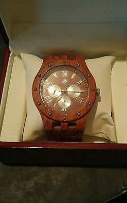 LingAo Handcrafted Mens Wooden Watch Luxury Style Natural Sandalwood+Day, Date &