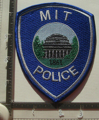 MIT POLICE PATCH MA MASSACHUSETTS Institute Technology COLLEGE OBSOLETE Color