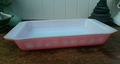 Vintage Pyrex Gaiety Pink Carnaby Daisy Casserole Space Saver