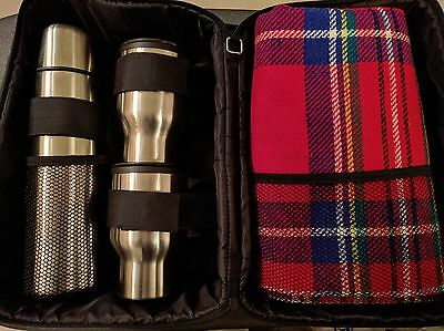 Picnic Kit - Picnic Blanket, Thermos and Insulated Cups