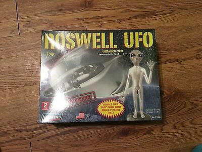 ROSWELL UFO WITH ALIEN CREW 1/48 Scale Model Kit UNOPENED LINDBERG NEW