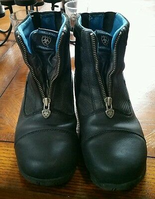 Preowned Ariat Riding Boots 4LR Waterproof Thinsulate Ladies(size 4)Black zipper