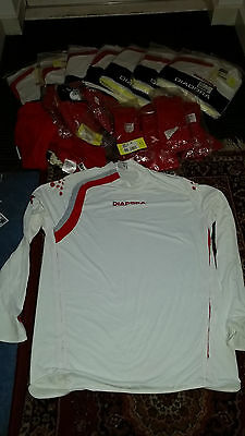 DIADORA Full Team Football Kit x 8 Shirts with out  Numbers Brand new