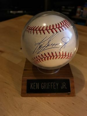 Ken Griffey Jr. Signed Baseball (Beautiful Condition)