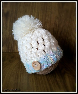 Crochet  little pompom hat photo prop gift baby shower   size newborn/0-3