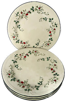 Set of 4 Pfaltzgraff Winterberry Dinner Plates Christmas Holly Berries