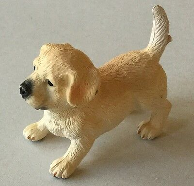 Plastic Pet Animal - Labrador puppy x1