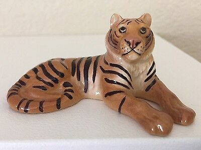 HTF Hagen Renaker HR Specialties TIGER Glossy Laying Miniature Pink Nose