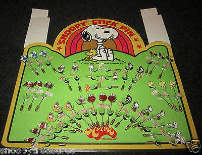 SNOOPY VINTAGE AVIVA STICK PIN DISPLAY FOR STORE - 36 PINS - bew