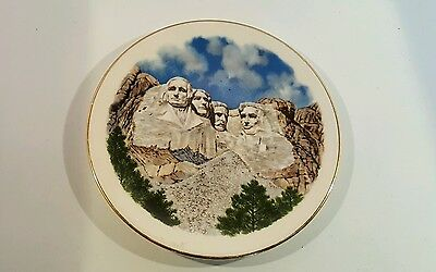 Vintage mount Rushmore souvenir plate 6 in