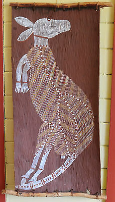 OLD Hand PAINTED ABORIGINAL BARK PAINTING KANGAROO FROM THE NORTHERN TERRITORY