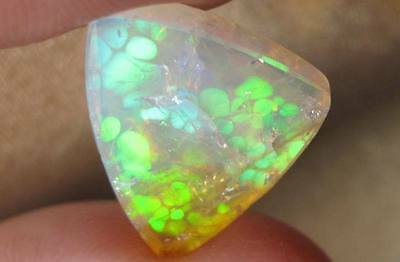 7cts Welo Opal Internal Crazing But Brilliant Fire & Cell Patterns